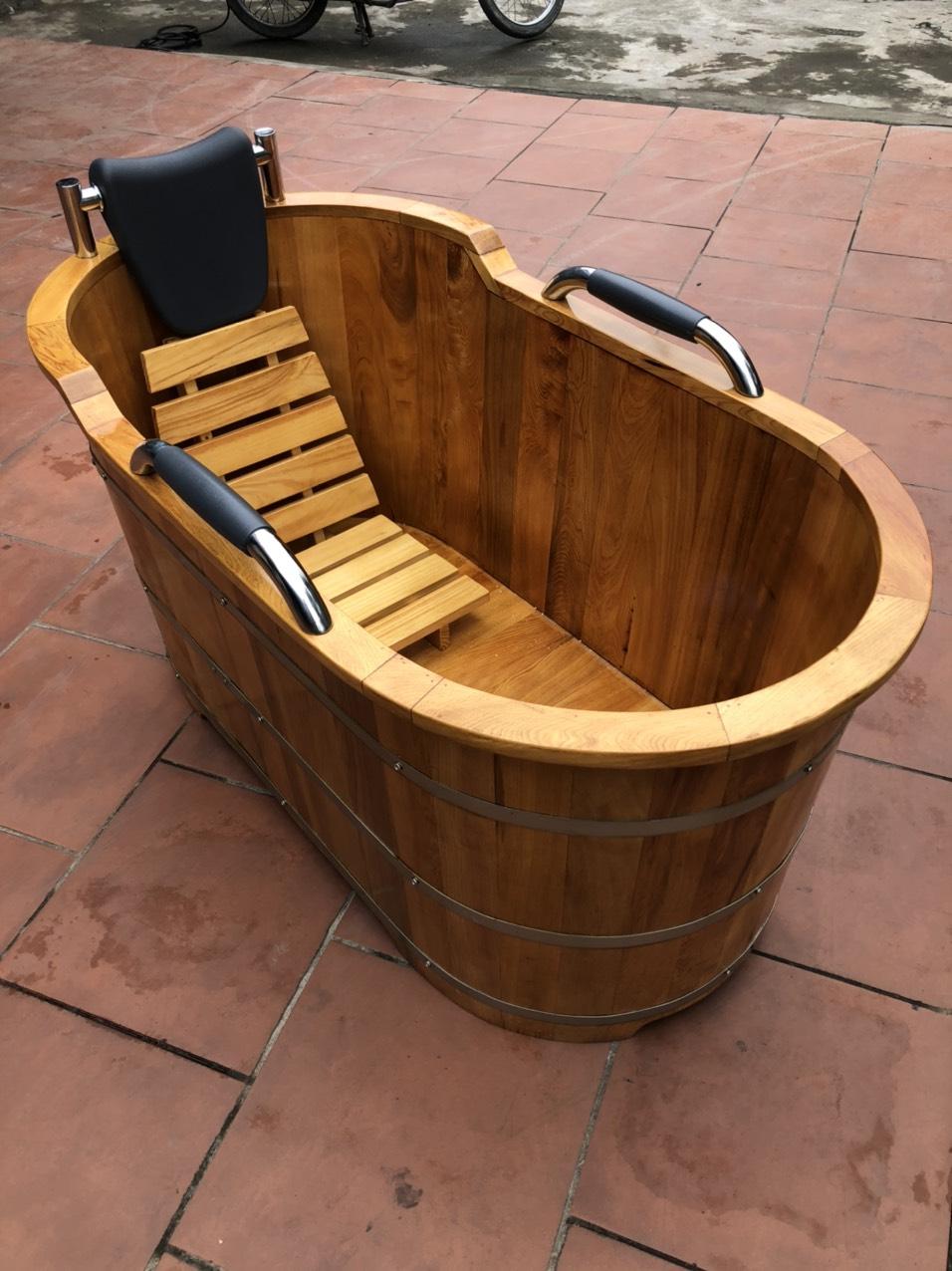 Bồn tắm gỗ bọc da